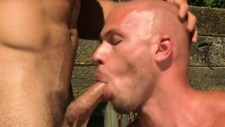 Big-cock-gay-outdoor-sex-and-cumshot_01-3
