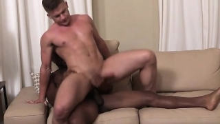 Big-dick-gays-anal-sex-with-creampie_01-2