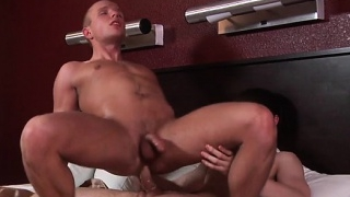 Big-dick-gays-flip-flop-with-cumshot_01-2
