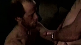 Bluecollar-matures-sucking-cock_01