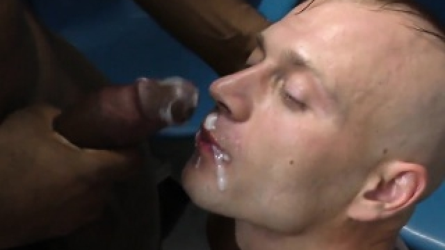 Gay Amateur Sucks Bbc