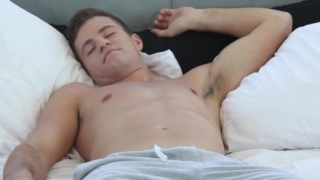 HD GayRoom – Joey Cooper has his cock sucked
