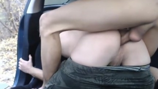 Hermosos Twinks Blanquitos Se Follan En Su Auto (Video 02)