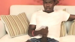 Horny Hunk Malvin Black Jerking Off