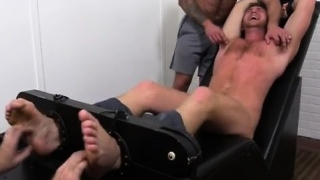 Movie-of-man-feet-gay-porn-photos-connor-maguire-jerked-ti_01