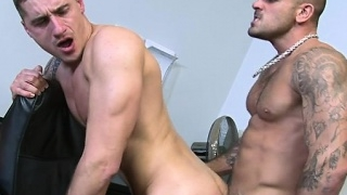 muscle-gay-anal-sex-and-cumshot_01-25