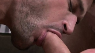 muscle-gay-flip-flop-and-cumshot_01-24