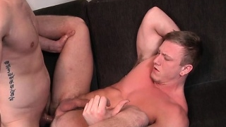 muscle-gay-oral-sex-with-cumshot_01-89