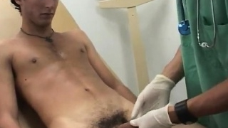 Real-gay-doctor-check-up-straight-man-when-he-picked-the-plu_01