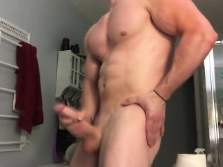 Ricky Ks Muscle And Cum Display Offering His 10-inch Penis
