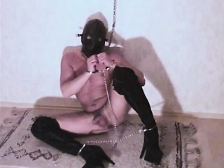 Slave in Chains,Kettensklave Crossdressers XXX Gay Porn Tube Video Image